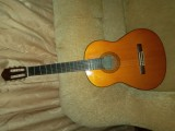 Yamaha C80 Nylon-String Classical Guitar